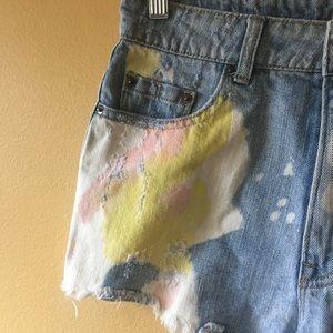 BDG Shorts - Bdg distressed cut offs // denim shorts // 27 Dree